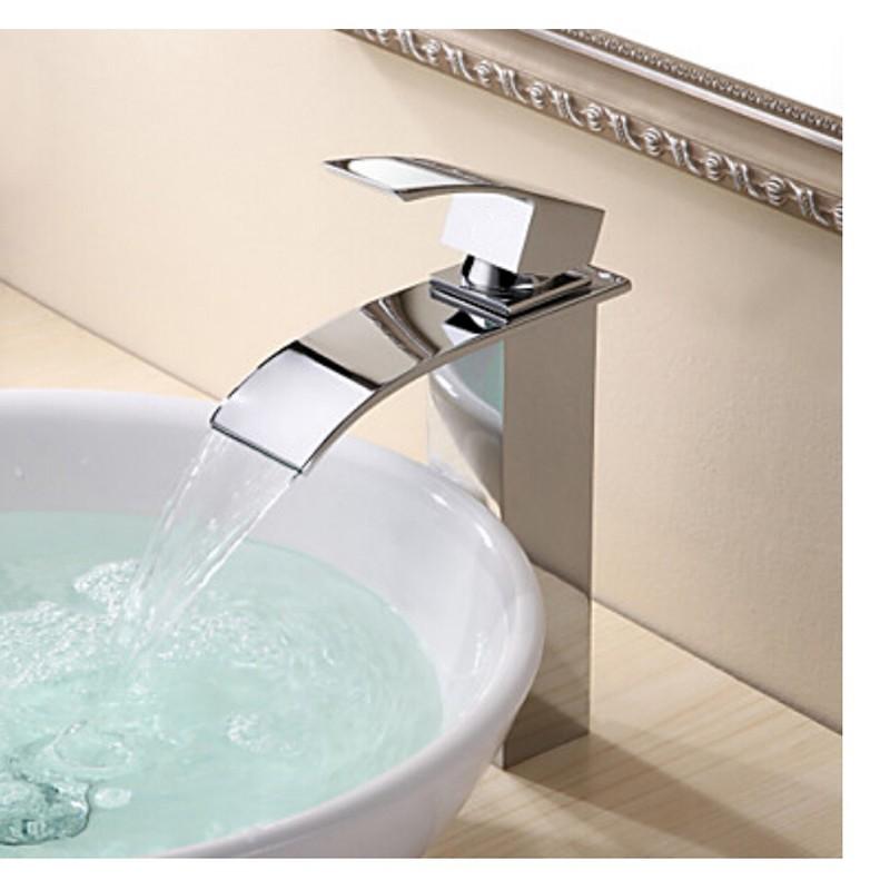 Bateria umywalkowa podtynkowa czy stojąca?