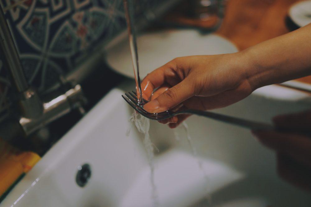 Zlew ceramiczny – jak usunąć rysy?