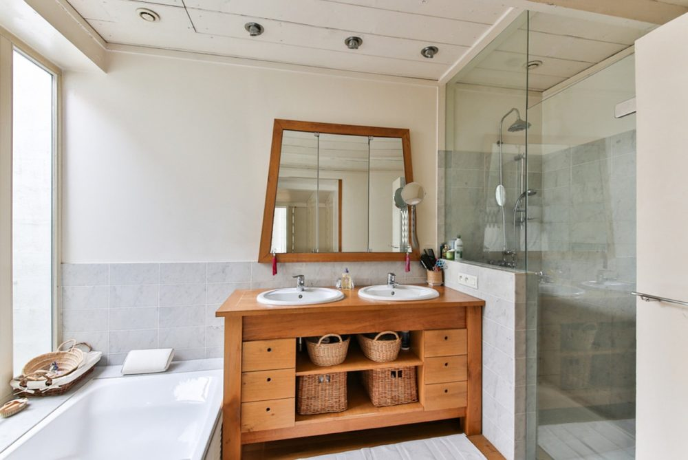Meble łazienkowe w stylu retro.